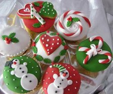 Christmas Cake Decorations